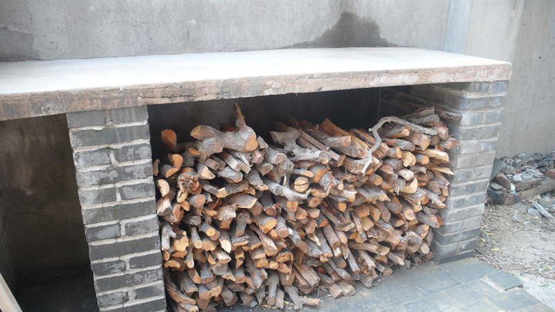 pear wood for pizza oven