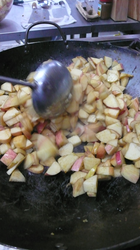 preparing apple crisps